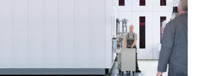 Tecnico di assistenza Bosch Rexroth per macchine utensili ad asportazione di truciolo