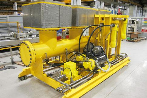 Con equipaggiamento idraulico subacqueo Rexroth.