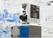 Un regolatore assi Multi-Ethernet per applicazioni idrauliche