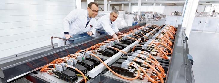 Sistemi di azionamento integrati nel motore